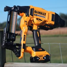 DEWALT Cordless Fence Post Stapler (Kit)